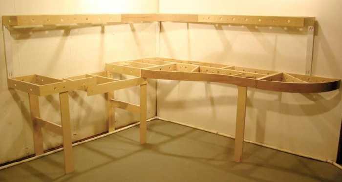 model-train-benchwork-1
